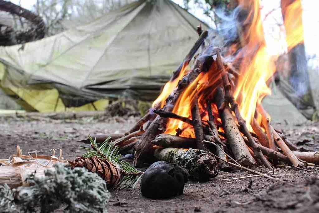 Fogata de acampada